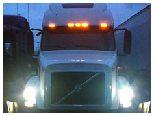 hid-lights-volvo-semi-trailer-1.jpg